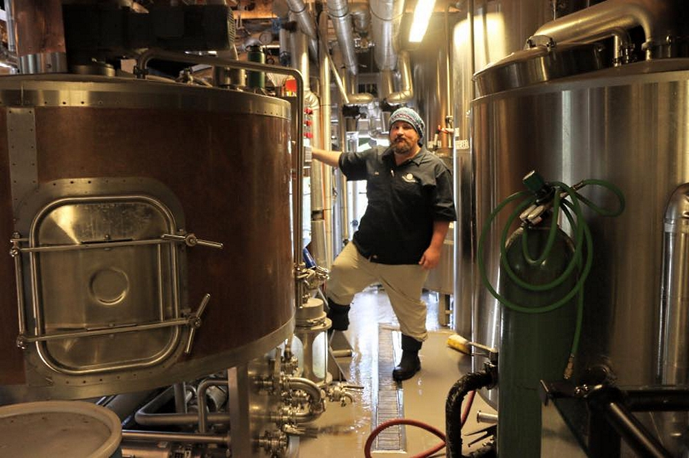 Southerleigh Brewmaster Les Locke with PKW Brewing Equipment